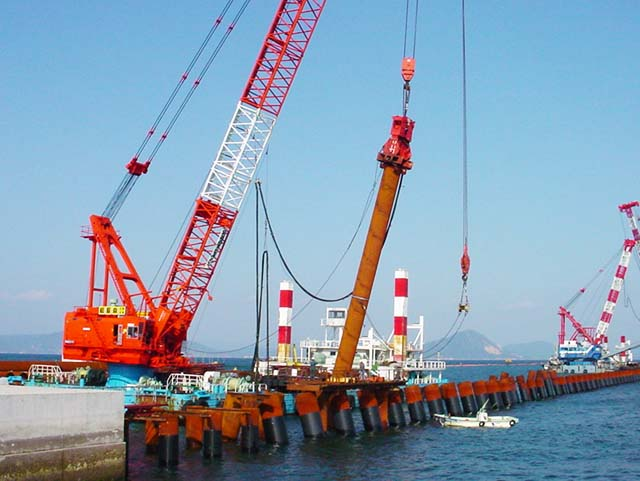 Iwakuni Airport(13) Relocation of Runway, North Breakwater Constructionイメージ